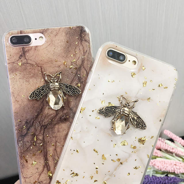 Púzdro Apple iPhone Silicone Case Bee hnedá iPhone 11 pro